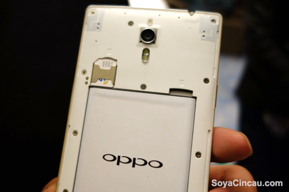 140319-oppo-find-7-hands-on-11