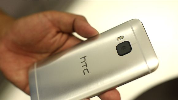 You can buy the HTC One M9 in Malaysia before the Galaxy S6 is launched