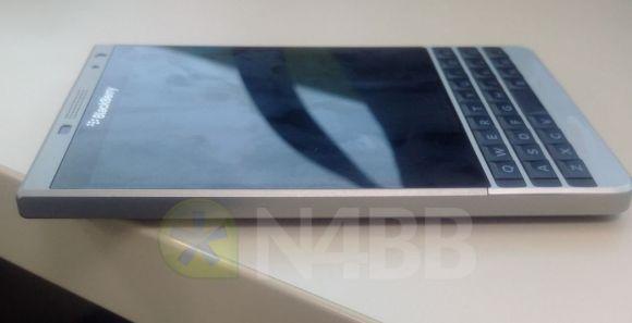 150706-blackberry-SQW100-4-malaysia-dallas-01