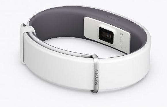 150821-sony-smartband-2-heart-rate-tracker-01