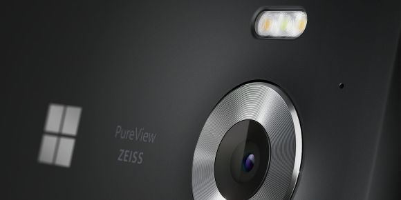 151007-microsoft-lumia-950-official-03