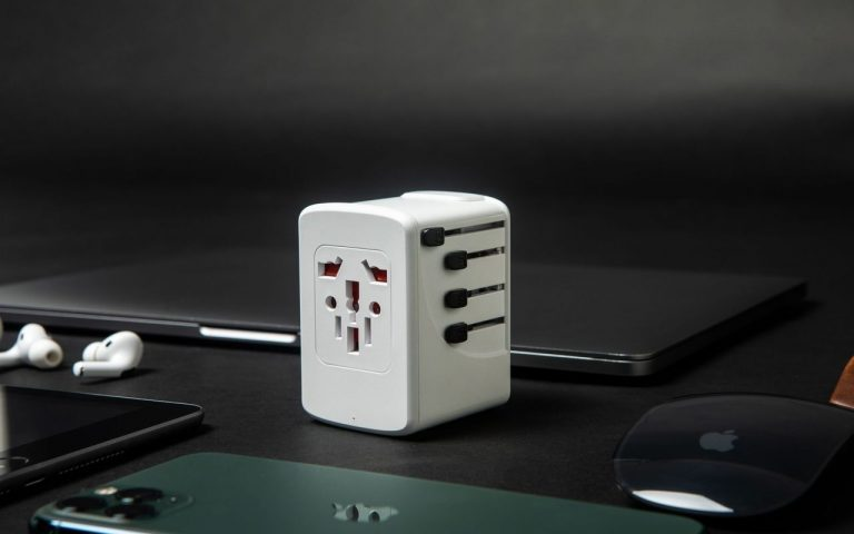 This international travel adapter can charge a MacBook Pro 13 at full speed